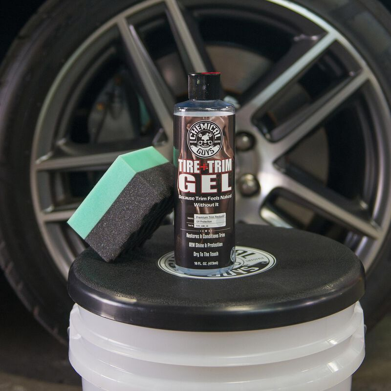 Tire+Trim Gel Plastic and Rubber High-Gloss Restorer and Protectant