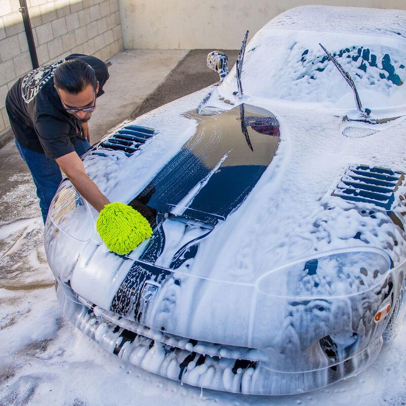 Black Light Hybrid Radiant Finish Car Wash Soap for Black & Dark Colored Cars slider image 4